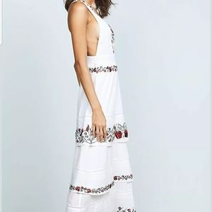 #114❤ BNWT Saylor embroidered maxi dress- Size xs